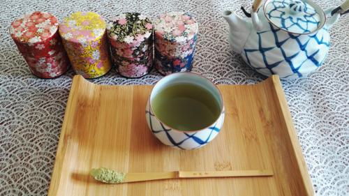 green-tea-in-sakura-tea-tin