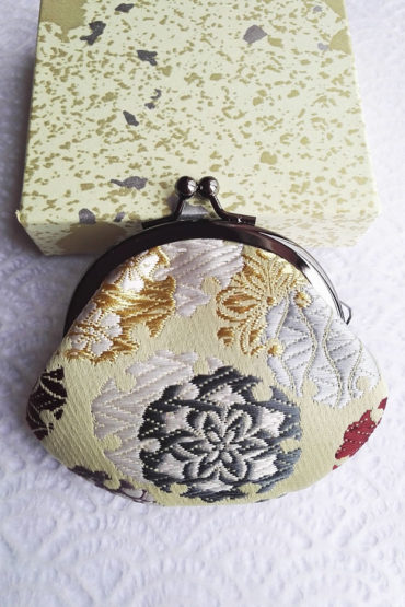Kimono-wallet-small-cream-flower