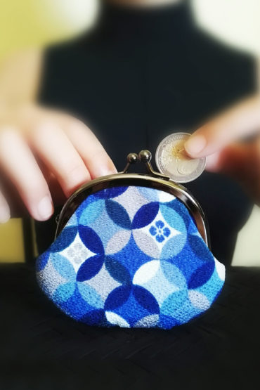 Yuzen-wallet-blue