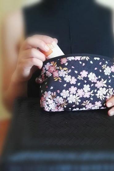 Kimono-pouch-black-sakura