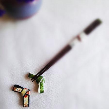 Chopstick stands Green Nami and Pink Sakura