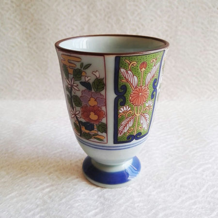 Arita-ware-free-cup-kiku