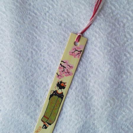 Bamboo-bookmark-Maiko-Sakura1