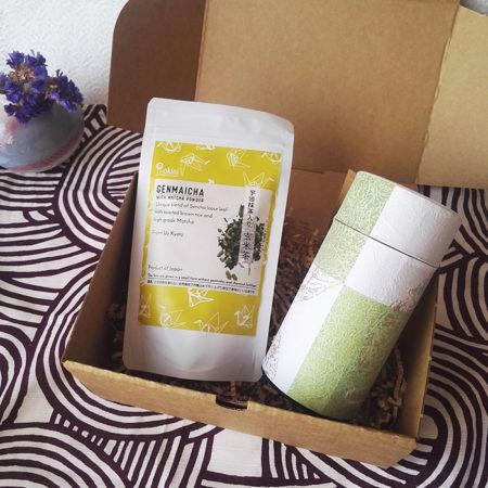 Loose-leaf-tea-with-a-large-tea-tin-gift-box
