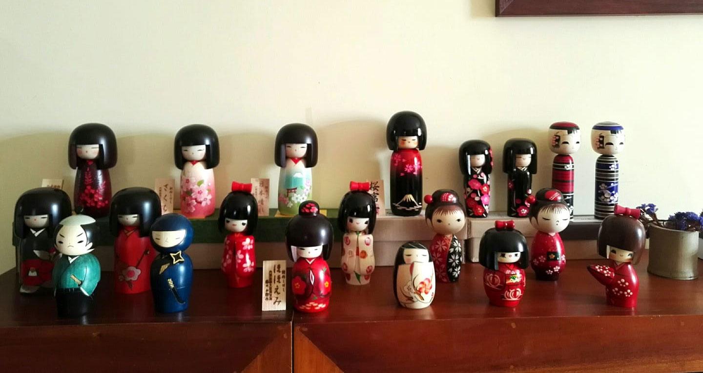 Japanese-Kokeshi-dolls-group-photo2