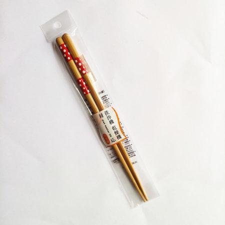 Bamboo-chopsticks-pink-dots