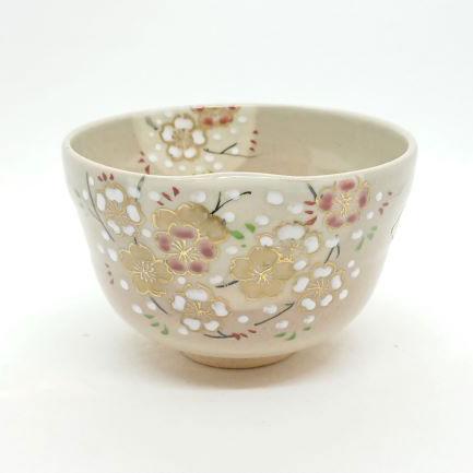 Handmade-Matcha-bowl-Sakura-Kukuri