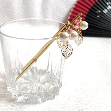 Kanzashi-hair-stick-pearls-&-leaves-1