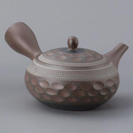 Hand curved-Tokoname-teapot